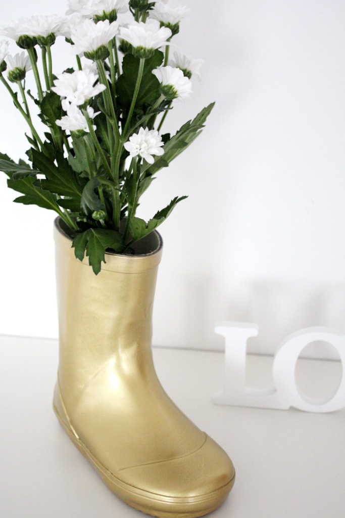 Gummistiefel Upcycling Vase 3a