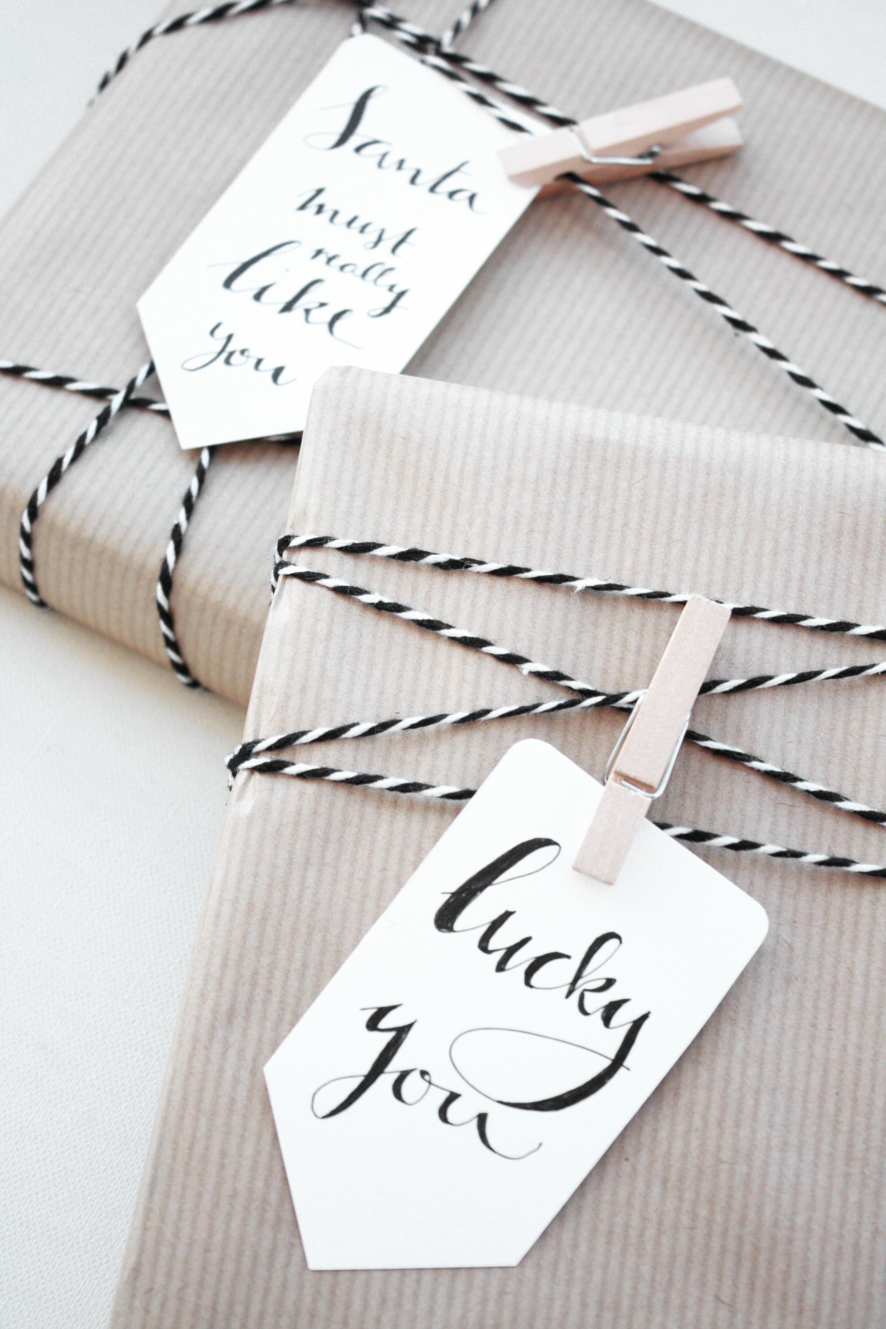 weihnachtsgeschenke verpacken mit typo anh ngern rosy. Black Bedroom Furniture Sets. Home Design Ideas