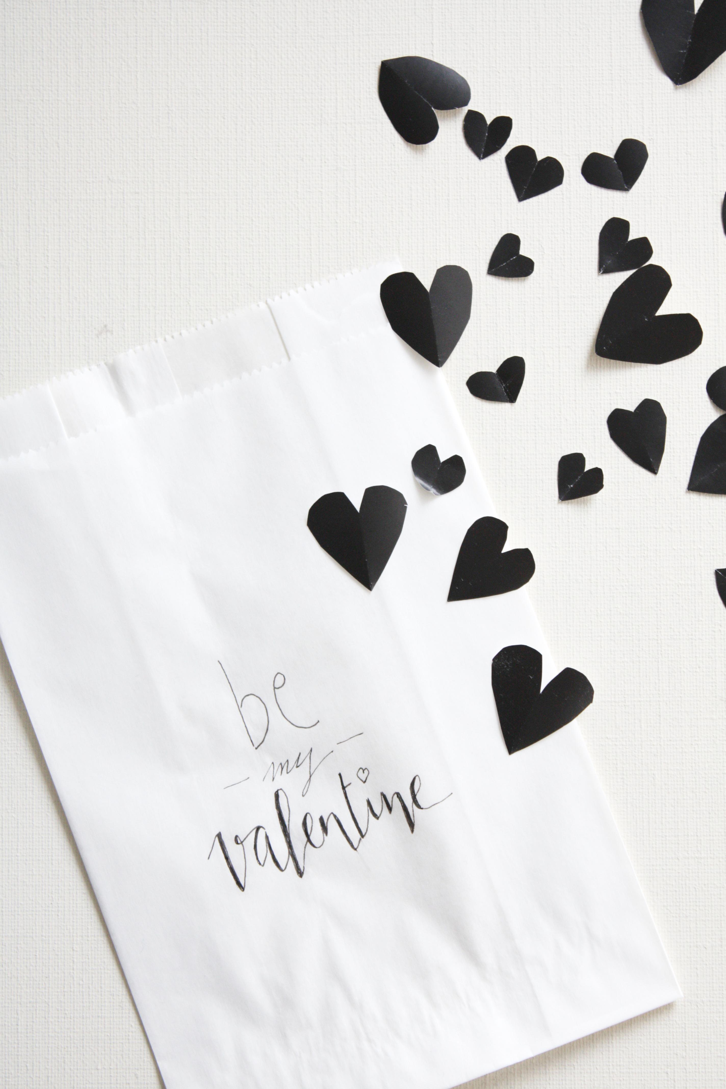 gutschein verpacken zum valentinstag rosy grey diy. Black Bedroom Furniture Sets. Home Design Ideas
