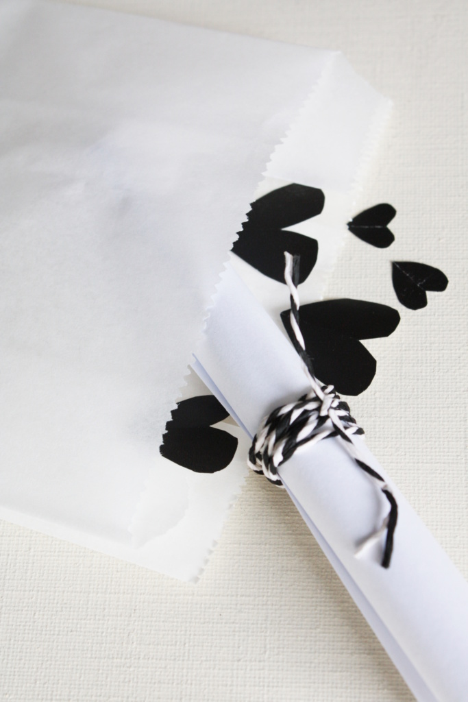 Gutschein verpacken zum Valentinstag 7