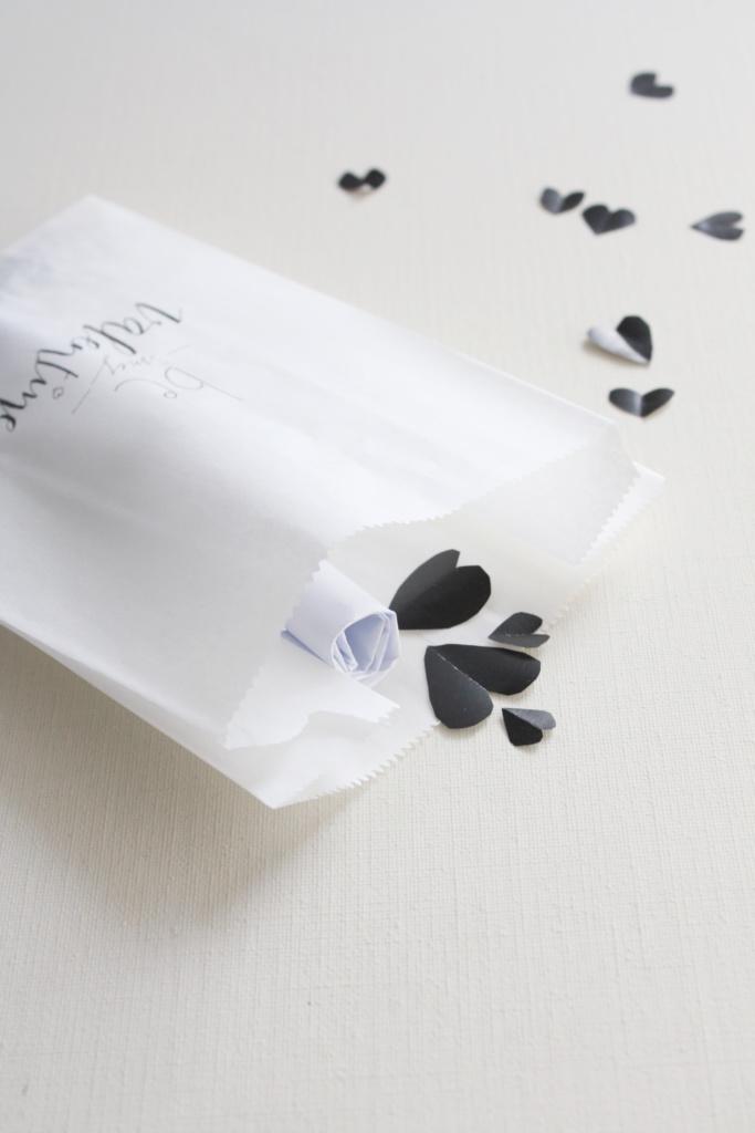 Gutschein verpacken zum Valentinstag 8