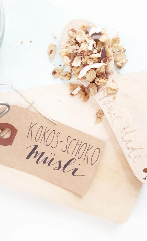 Schoko Kokos Granola