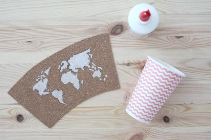 Stiftehalter selbermachen aus kork mit weltkartenmotiv DIY Upcycling