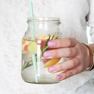 Mehr Wasser trinken Tipps