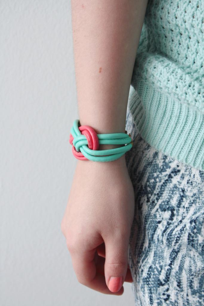 zu gast bei chamy diy armband rosy grey diy blog lettering m nchen. Black Bedroom Furniture Sets. Home Design Ideas