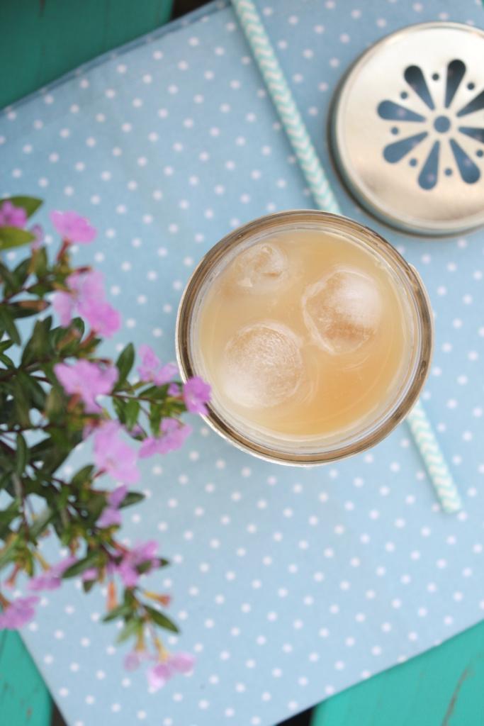 Iced Vanilla Chai Latte 3
