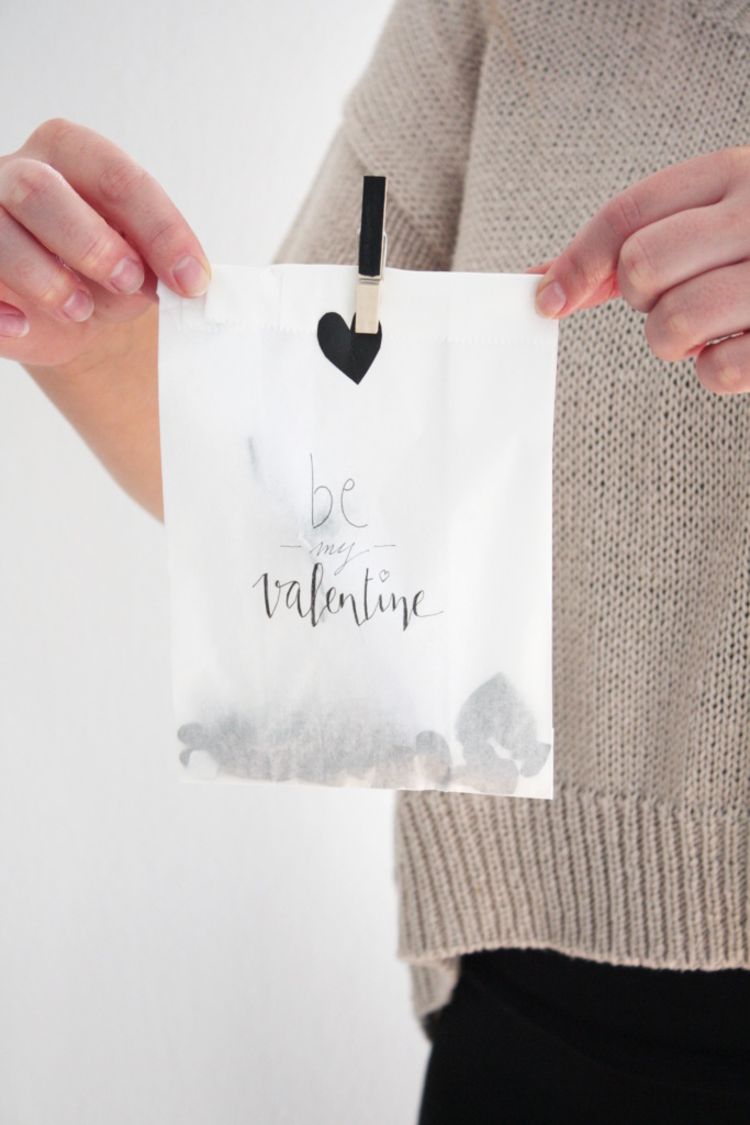 Gutschein verpacken zum Valentinstag 11