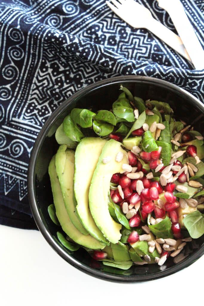 feldsalat mit granatapfel und avocado rosy grey diy blog lettering m nchen. Black Bedroom Furniture Sets. Home Design Ideas